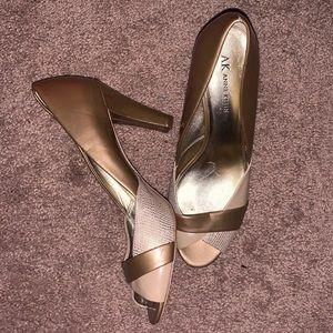 8.5 women's Anne Klein heels